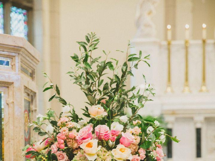 Tmx 1530115563 7faaf99b13cf14af 1530115560 5f03ff32eeb26103 1530115553474 4 McGeough9 Chatham wedding florist