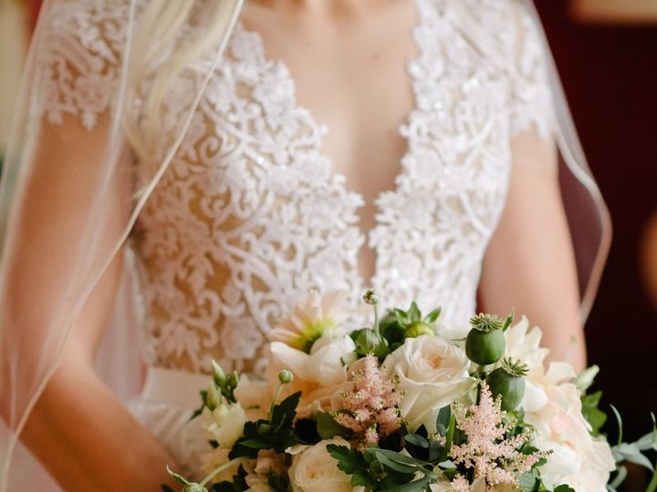 Tmx 1530116581 Fac09308e0d5943f 1530116574 F54b1d655057f0c5 1530116559281 113 Spencer   5  Chatham wedding florist