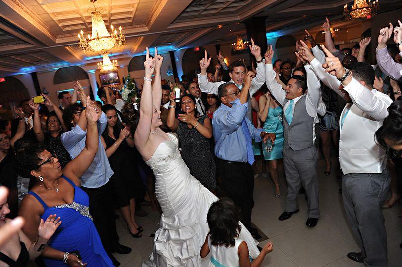 center pic for wedding slider