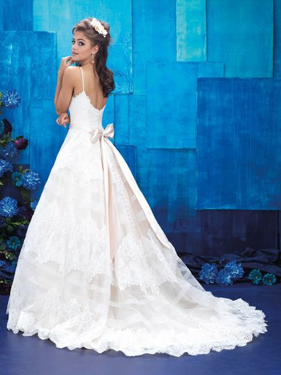 Dream Dress Express - Dress & Attire - Sioux City, IA - WeddingWire