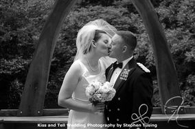 Kiss and Tell Wedding Photography