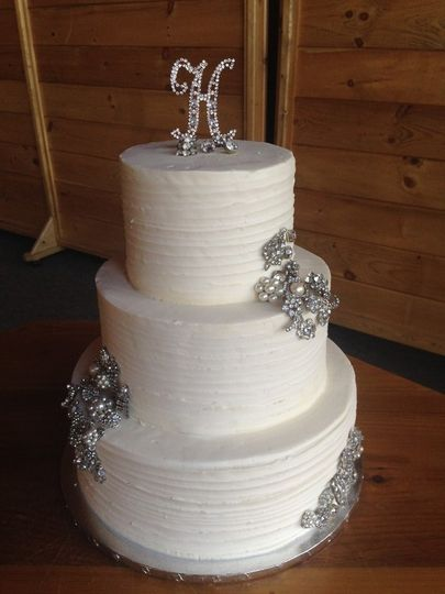3-tier cake with silver decor