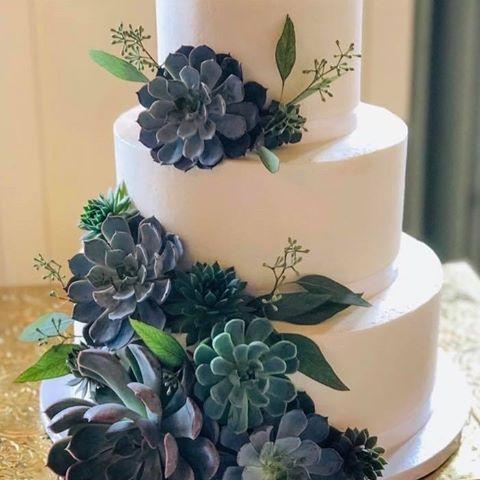 Tmx 122824309 272667310746019 150396859330199933 N 51 410491 160996840885733 Schuylerville, NY wedding cake