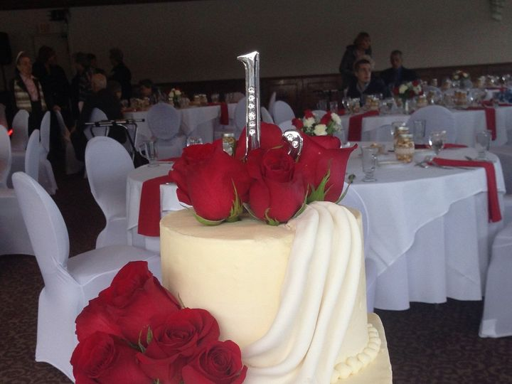 Tmx 1509063544068 D6041bb6 25f1 466f 9cb9 7beb25c662e9 Schuylerville, New York wedding cake
