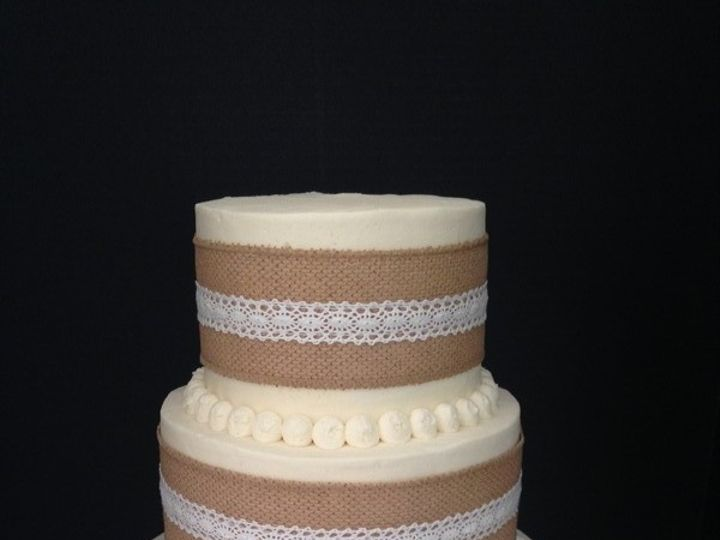 Tmx 1510600805491 800x8001509063483471 13876f04 2fda 4979 9b04 89b65 Schuylerville, NY wedding cake
