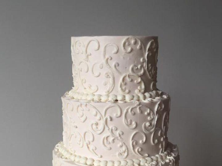 Tmx Piping2 51 410491 160996836321095 Schuylerville, NY wedding cake
