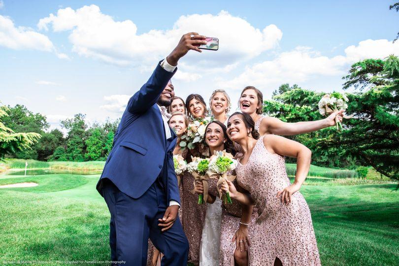 Bridesmaids selfie!