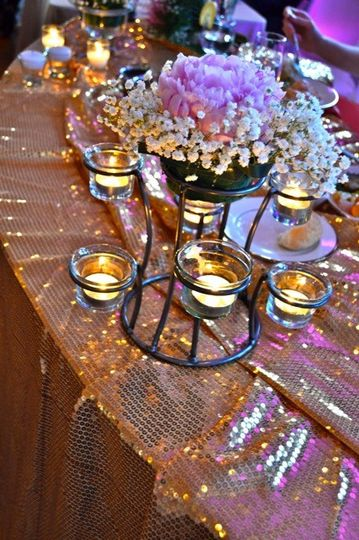 Wedding table with candlelit