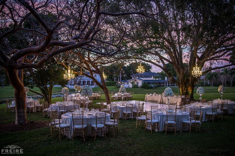 Dance and dine under the stars