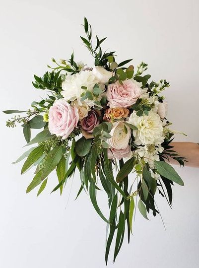 Medium rose bouquet