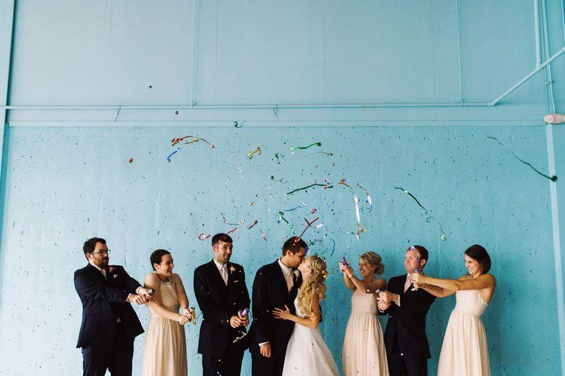 confetti popper wedding
