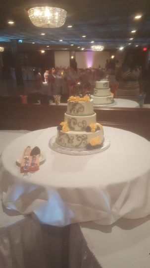 Binford Wedding -Wedding Cake