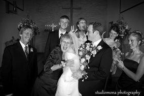 StudioMona Photography LLC