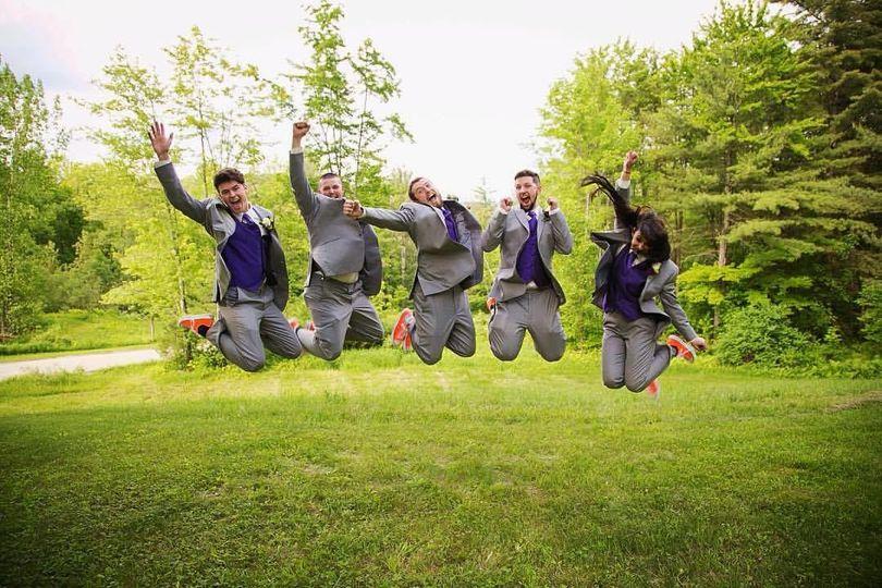 Groomsmen jump shot