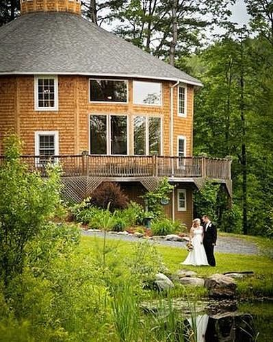 Tmx 1526064913 E06bf21771e443a1 1526064912 C20419994f681111 1526064904781 3 22221943 101552807 Huntington, Vermont wedding venue