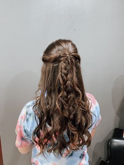 Half-up twisted braid
