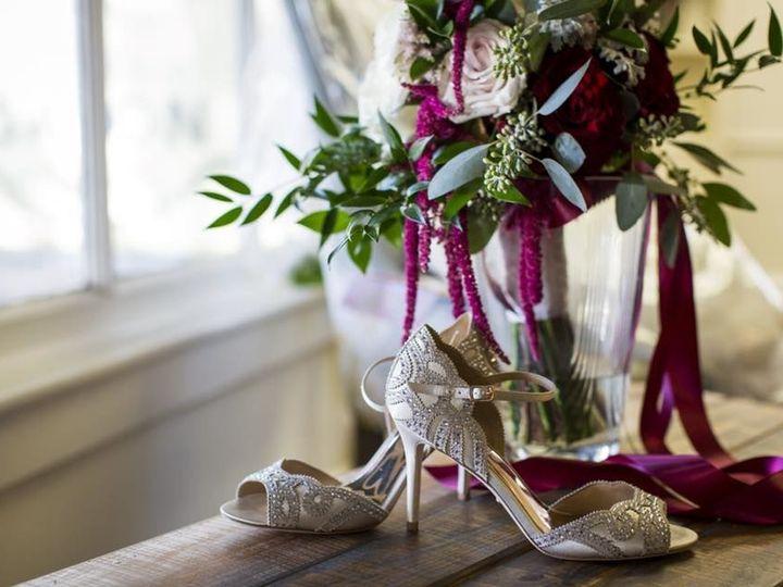 Tmx 1525813704 32a6e61270106f4d 1525813703 47b13ccd264e57f1 1525813703275 4 28871028 163237160 Hatboro, PA wedding florist