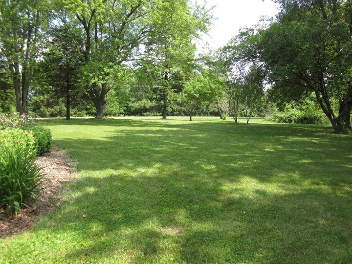 Gardens & Lawn