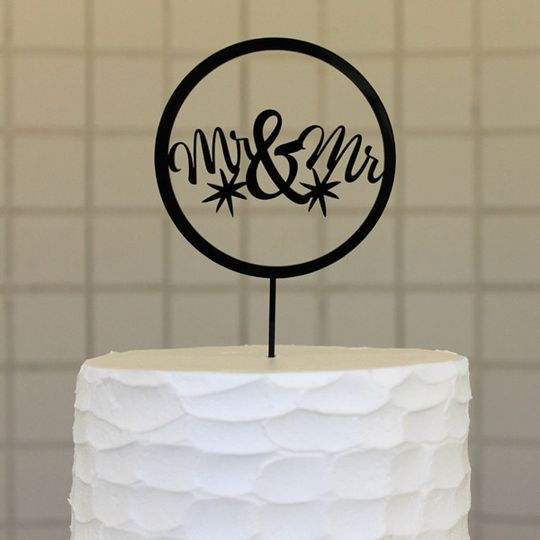 mrmr circle close buttercream cropped