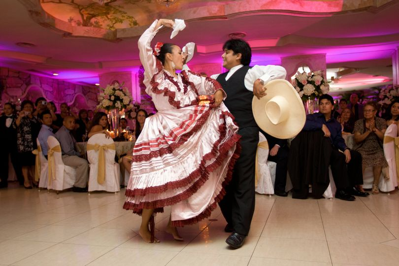 Peruvian wedding dance