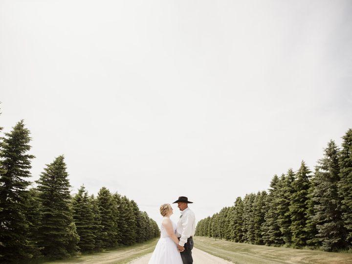 Tmx Moserwedding 084 51 1169591 161325402589288 Tappen, ND wedding photography