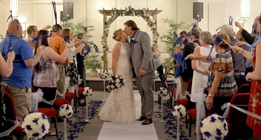 A kiss down the aisle