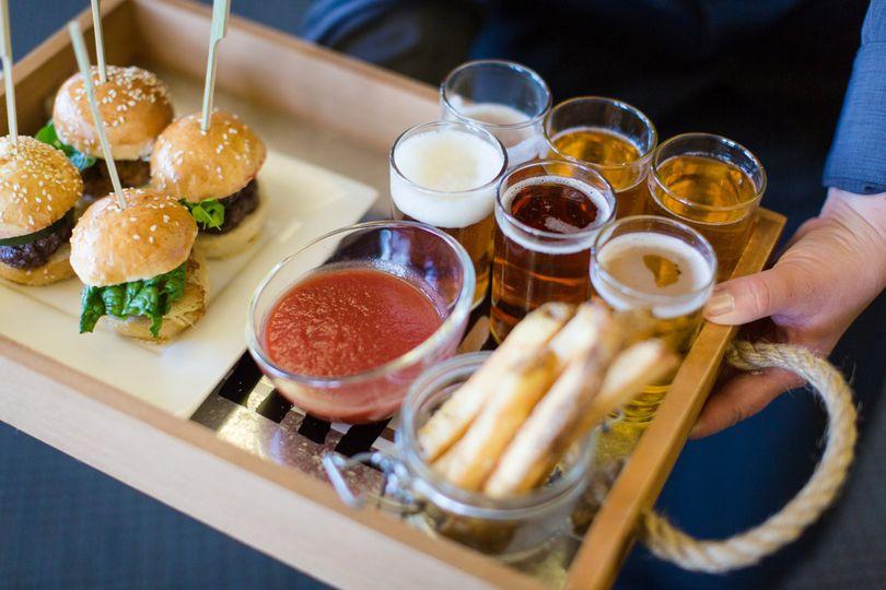 Mini burgers with shotglasses