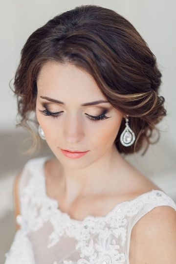 winter wedding makeup image