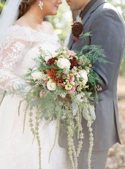 Hybrid Style Cascade bouquet