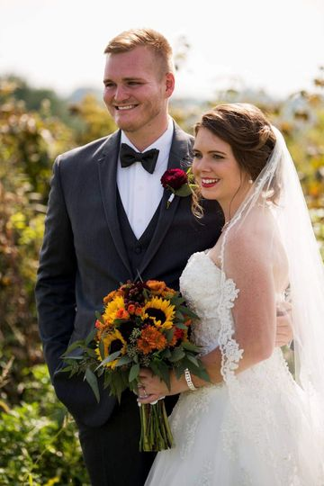 Fall bride and groom flowers