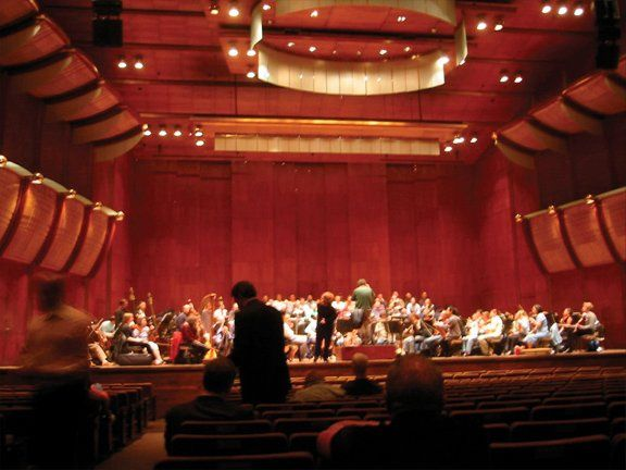 Susan Tahmoosh: Rehearsal at Avery Fisher Hall, Lincoln Center, NYC.