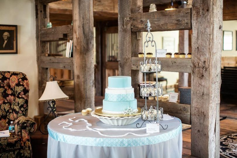 Barn Cake Table