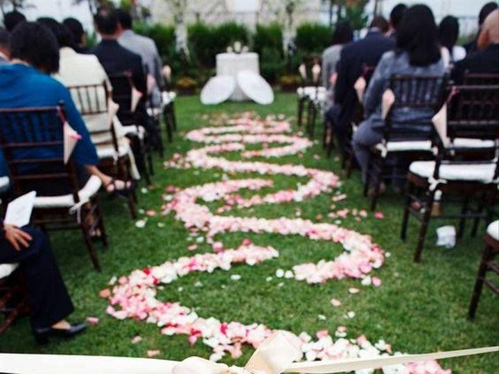 Tmx 1529209708 5a179069e4497784 1529209707 8ccfd51483f422f6 1529209704661 3 13346709 116672340 Quincy, MA wedding florist
