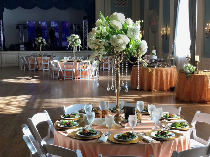 Tall and impressive centerpiece