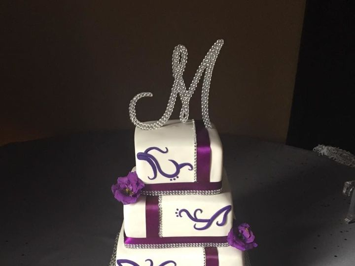 Tmx 1497401639734 Wedding16 Rossford, OH wedding cake