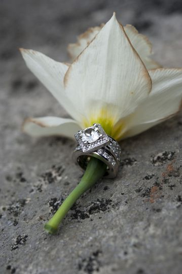Square cut diamond ring