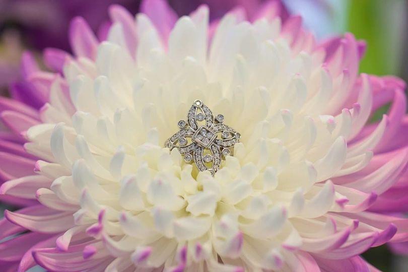 Flower shaped ring