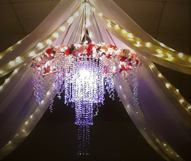special chandelier 51 1047791 1556810839