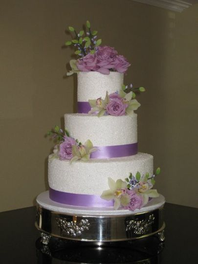 800x800 1277653720835 maryanderickweddingcake015
