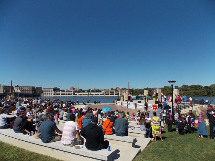 The bb&w park full of people