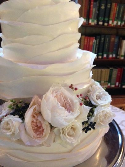 Floral weddings cake