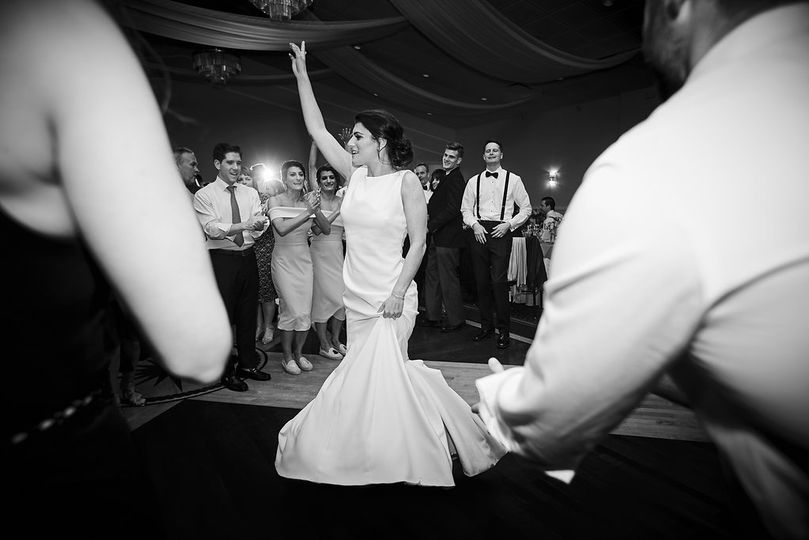 Focus on the bride   Millimeter Photography