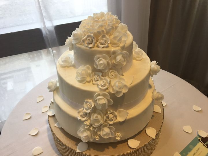 jada brice wedding cake in oct 2017