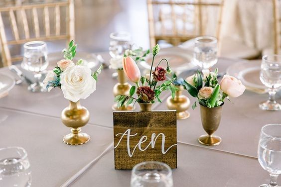 Table number on wood