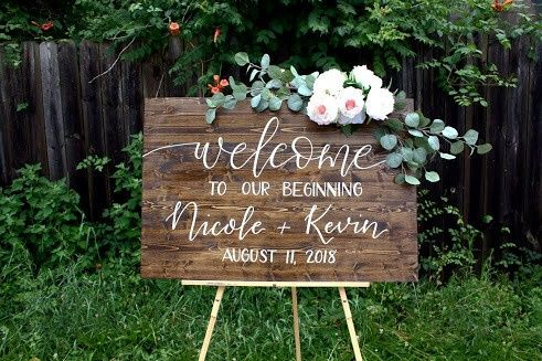 Welcome sign decorated with flowers