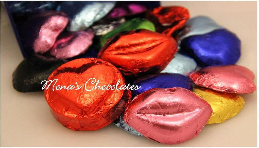 Red and pink foiled chocolate smooch lips
