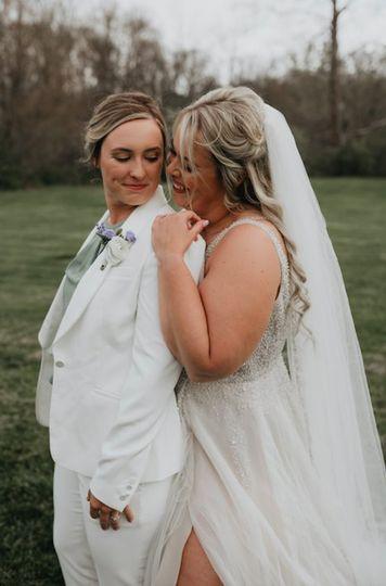 J+T bridal portrait