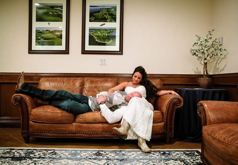 couch bride 51 929891 158250009788740