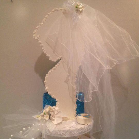 Edible White Chocolate Bridal Cupcake Stand