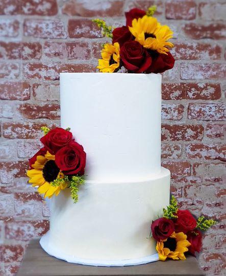 sunflowers roses cake 51 1989891 161228837190247